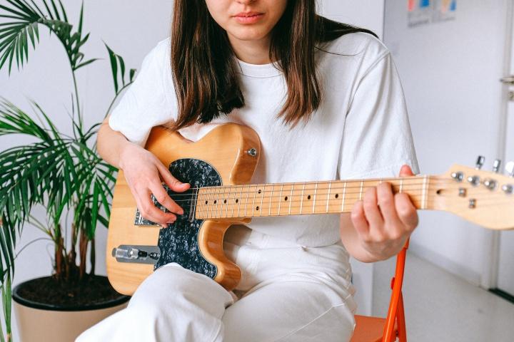 Gra na gitarze elektrycznej kurs