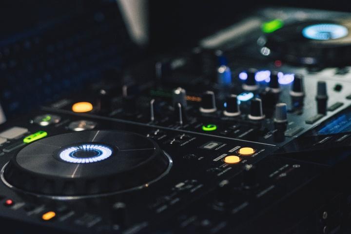 Szkoła dla DJów